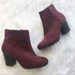 Old navy Burgundy chunky heel booties 7